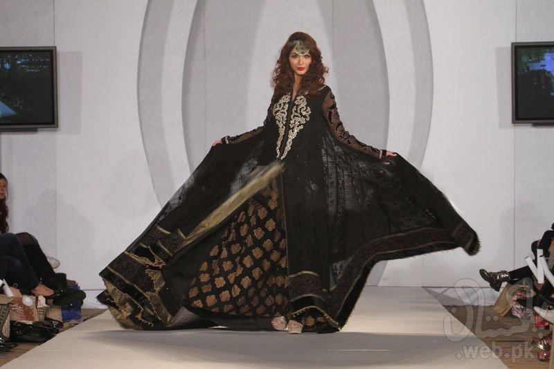 1353239635-designers-showcases-at-the-third-pakistan-fashion-week-in-london_1608148.