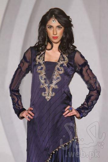 1353239639-designers-showcases-at-the-third-pakistan-fashion-week-in-london_1608147.