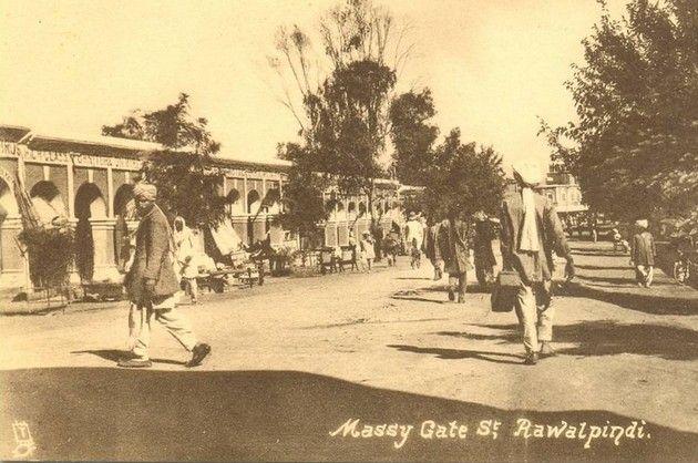 alpindi-old-Photos-A-Rare-Photo-of-Massey-Gate-Street-Rawalpindi-Old-rare-Pictures-of-Rawalpindi.
