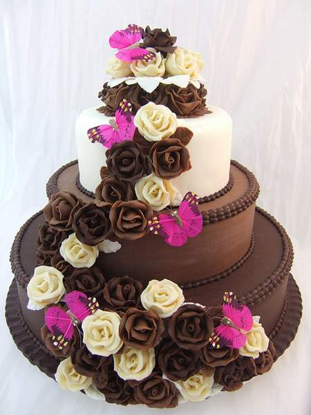 big-chocolate-birthday-cake_681780.jpg