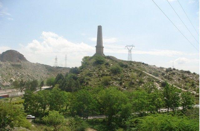 cholsons-Obelisk-or-Nicholsons-Memorial-on-GT-Road-near-Tarnol-Rawalpindi-Pictures-of-Rawalpindi.