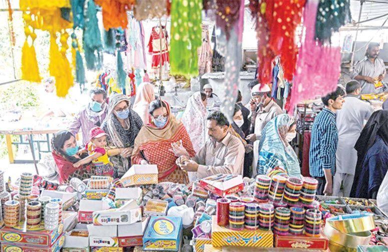 Eid ul fitr shopping rush in markets in Pakistan