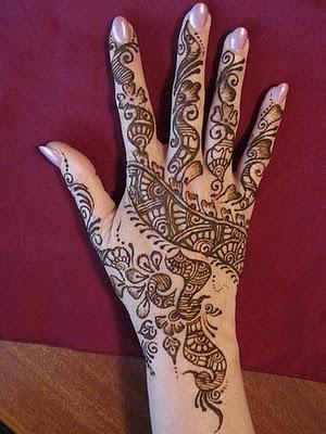 Girls-Arabic-Mehndi-Design-Trend-for-2011.