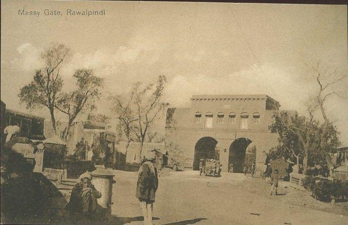 i-old-Photos-Another-Rare-Photo-of-Massey-Gate-Street-Rawalpindi-Old-rare-Pictures-of-Rawalpindi.