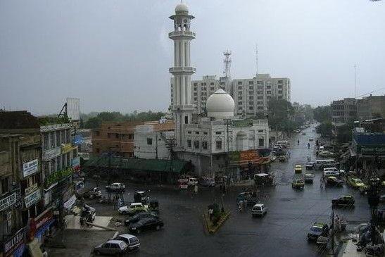 Intersection-of-Kashmir-Road-and-Adamjee-Road-Rawalpindi.