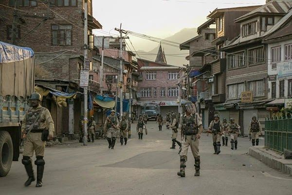 kashmir-india-army.