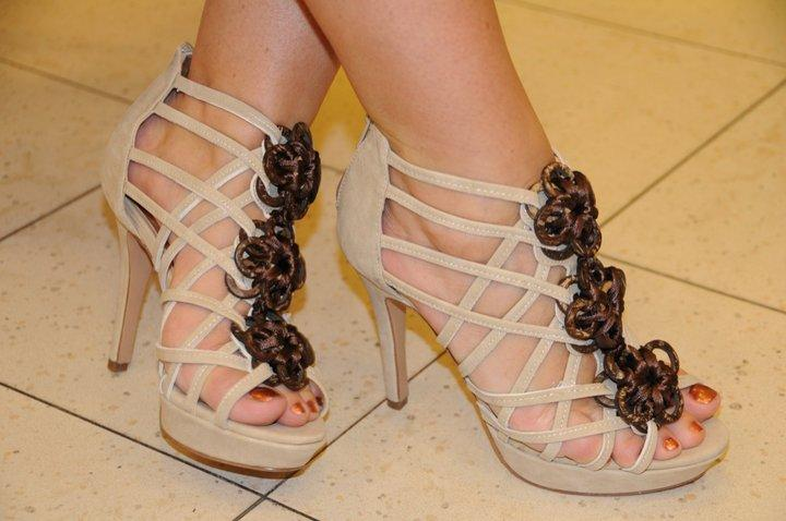 Latest-Fashion-of-High-Heel-Sandals-2012-7.
