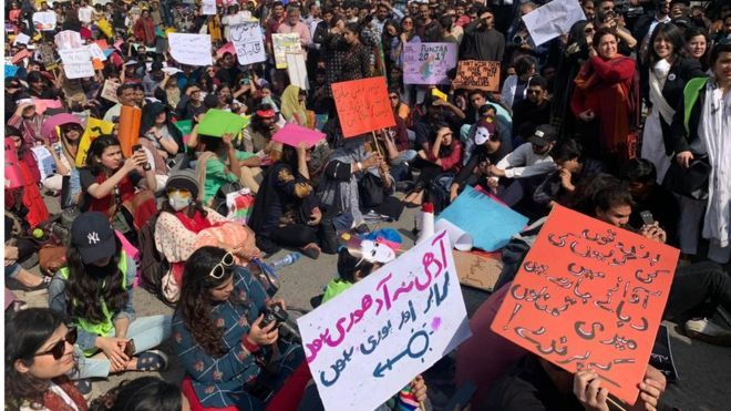 Pakistan allowed the march of women.jpg