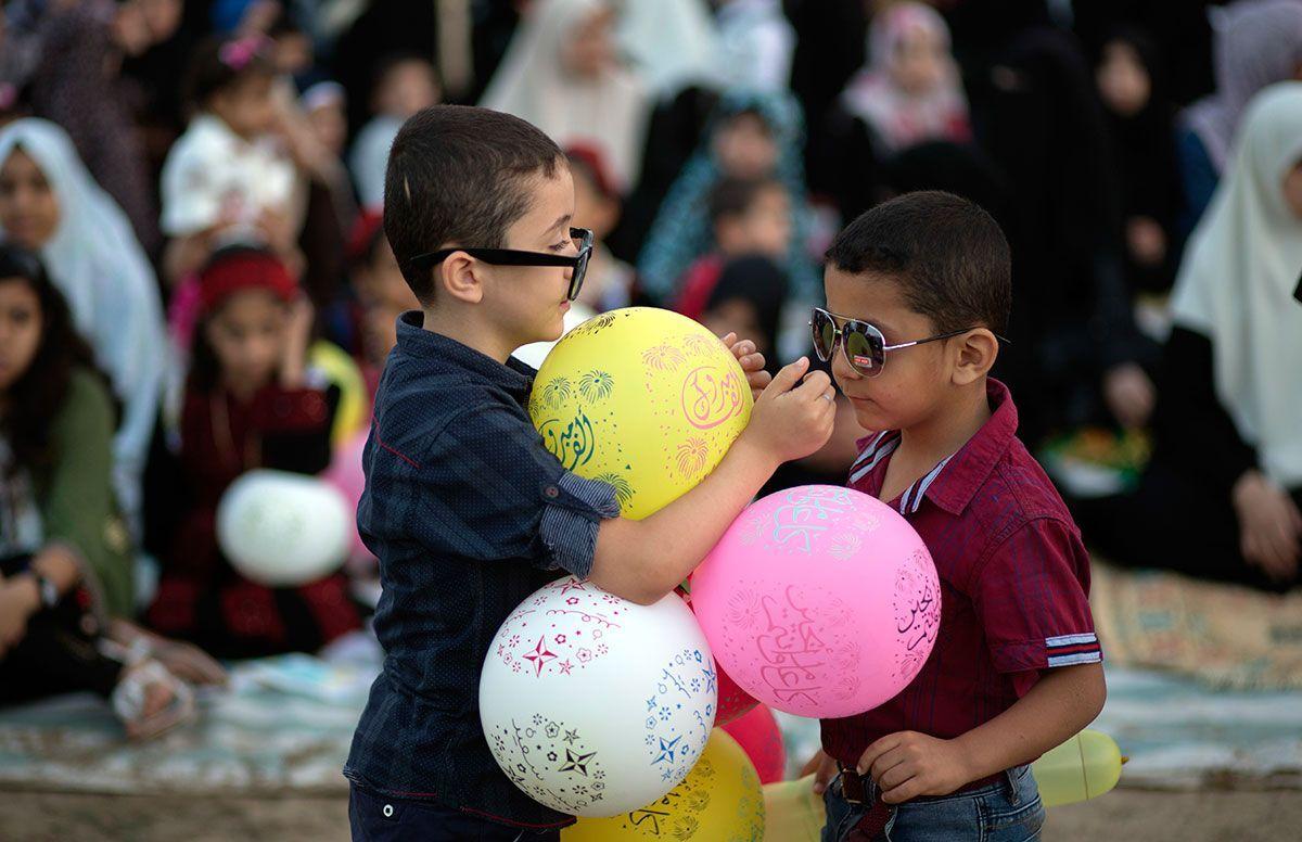 Palestinian celebrate eid.jpg