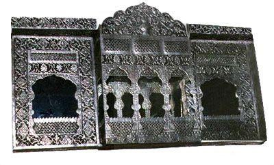 pic_pakistani-handicrafts_brass-jharoka.