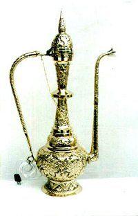 pic_pakistani-handicrafts_brassware-aftaba.