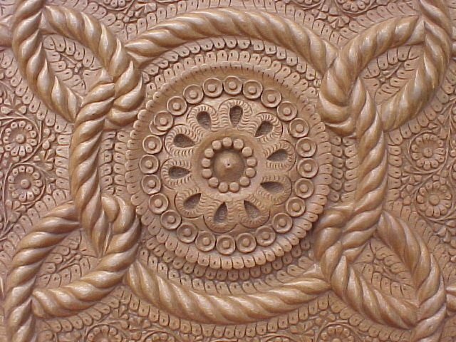 pic_pakistani-handicrafts_wood-carving-3.