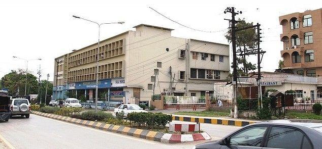 pindi-Photos-Old-British-Consulate-Building-Rawalpindi-Later-Fauji-Manzil-Pictures-of-Rawalpindi.