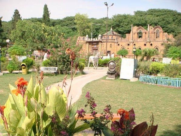 Rawalpindi-Photos-Ghost-House-Bhoot-Bangla-in-Ayub-Park-Rawalpindi-Pictures-of-Rawalpindi.