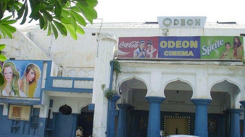 Rawalpindi-Photos-Odeon-Cinema-The-Mall-Road-Rawalpindi-Pictures-of-Rawalpindi.