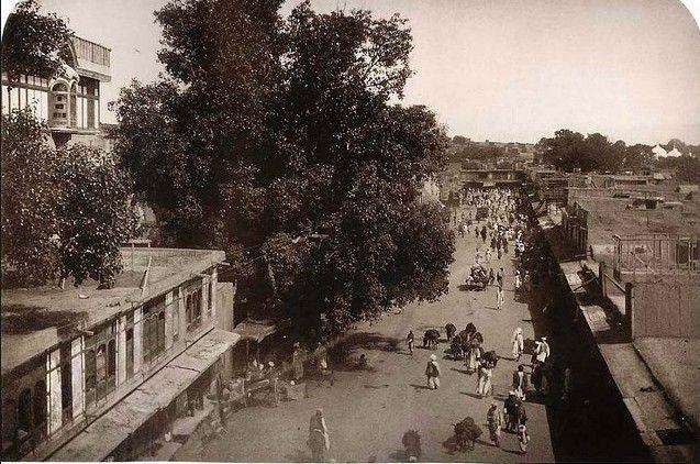 walpindi-old-Photos-Rare-Photo-of-a-Street-in-Rawalpindi-in-1883-Old-rare-Pictures-of-Rawalpindi.